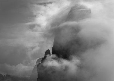hugged by fog - creative nature, three peaks, drei zinnen, dolomites, mountains