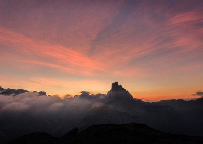 The tree peaks of lavaredo before sunrise / Monte Piano (ITA) / Lukas Schäfer