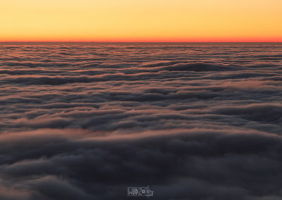 Sea of fog before sunrise / Graz (AUT) / Daniel Tschurtschenthaler