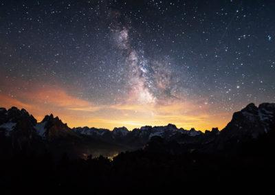 The milkyway above the lights of misurina / Monte Piana (ITA) / Lukas Schäfer