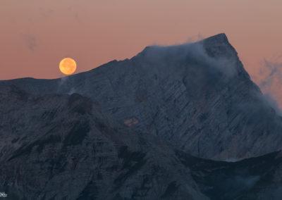 moon - fireball - mountain - moonset - dolomites